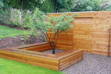 Bild zu Gartenschrank und Sitzbank