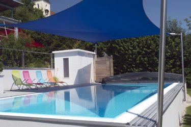 Bild zu Sonnensegel am Pool